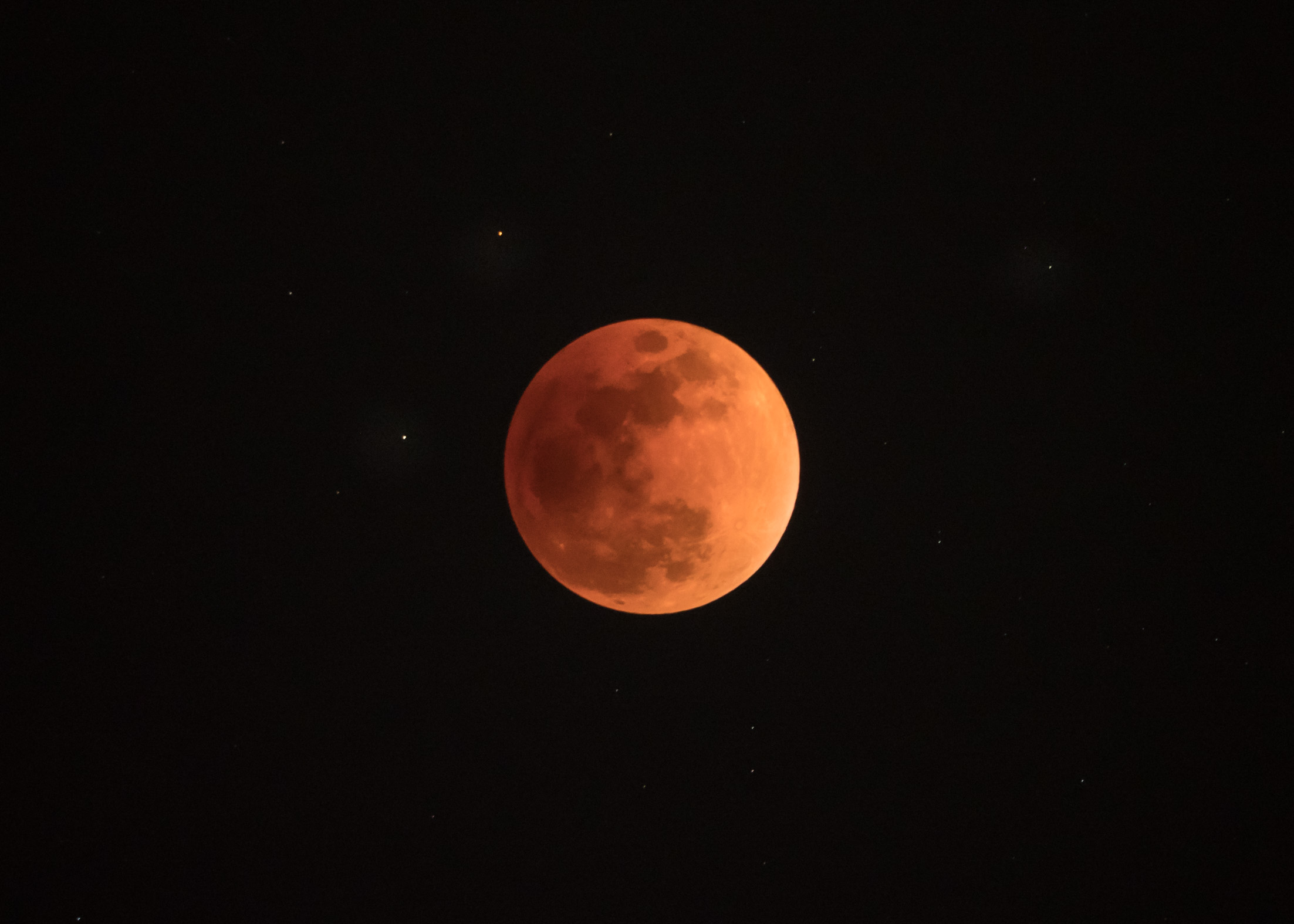 8 Total eclipse 22:24